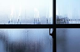 水がたれてくる・壁にシミが出来た・カビ臭いのイメージ